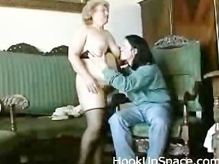 chubby blonde granny with unshaved love tunnel