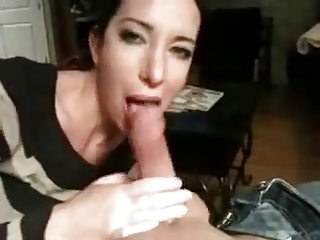 amateur cock-sucker mature swallows cum