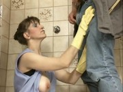 German mature andrea dalton cleaning pissing