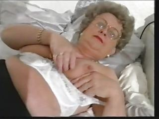 chubby old granny strips and plays anew