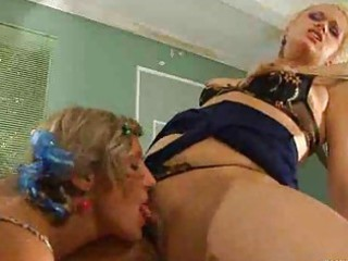 lesbian milf giving a kiss a girl
