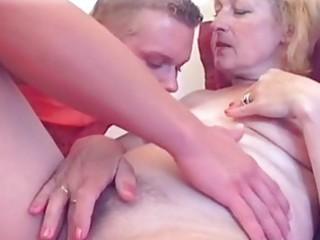blond milfs sexy love tunnel licked...