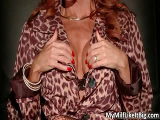 large boobed redhead hot hot body d like to fuck