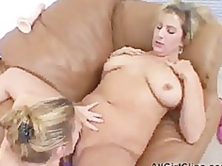 plump chicks dildo fucking slit lesbian hotty on