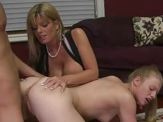 MILF stepmom Kristal Summers is naughty