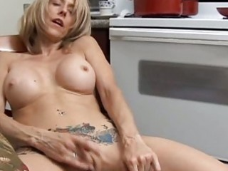 hot d like to fuck has a wet love tunnel
