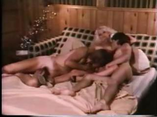 Blonde retro milf taken by 2 cocks