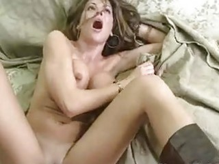 tempting sexy momma hunter bryce receives a sexy