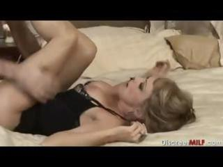 mature mother i with youthful dude in bedroom