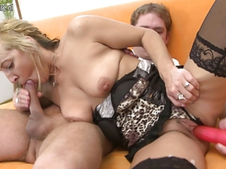 hawt mama sucks dong and receives drilled hard