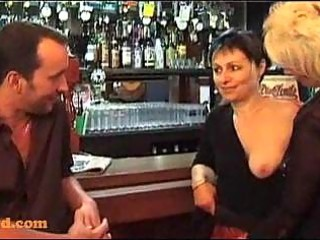 threesome with aged chicks in a bar